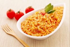 ризото с доматен сос